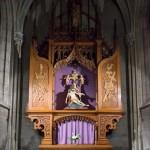 Ein anderer Seitenaltar, hier mit Darstellung der Pietà (© Herr Mag. Bernhard Wagner).
