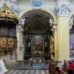Blick zu einem der Seitenaltäre, das Altarbild zeigt die Hl. Familie (© Herr Mag. Bernhard Wagner).