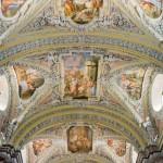 Stuck und Fresken (im Zentrum die Darstellung Jesu im Tempel) ... (© Herr Mag. Bernhard Wagner)