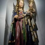 ... hinter dem Hochaltar. Höhepunkt der Wallfahrt ist es diese Madonna zu besuchen und persönliche Anliegen vorzubringen (© Herr Mag. Bernhard Wagner).