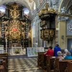 Seitlicher Blick zum Sakristeizugang hinter der Kanzel (© Herr Mag. Bernhard Wagner).