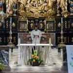 Frater Nikolaus Reiter OSB vom Benediktinerstift St. Paul im Lavanttal am Beginn der Maiandacht (© Herr Mag. Bernhard Wagner).