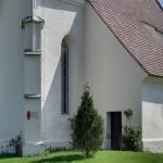 Eine nähere Ansicht der Kirche gesehen von Südwesten (© Herr Mag. Bernhard Wagner).
