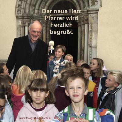 Begrüßung des Pfarrers