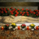 Das Heilige Grab mit dem Heiland aus der Nähe (© Herr Mag. Bernhard Wagner).