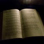 Das neue Gotteslob mit den aufgeschlagenen ersten Liedern im Adventteil (© Herr Mag. Bernhard Wagner).