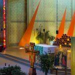 Taizé-Altarbereich-der-Versoehnungskirche_1