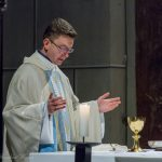 Während des Gabengebetes ... (© Herr Mag. Bernhard Wagner)