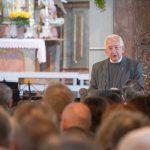 Bischofsvikar Pater Antonio Sagardoy (© Fotografie Gutschi).