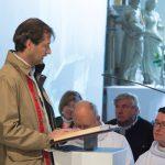 Pfarrgemeinderat Herr Klaus Penz trägt die 2. Lesung vor (© Fotografie Gutschi).