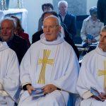 Dechant Engelbert Hofer (Mitte) mit Pfarrer Eugen Länger (rechts) und Kaplan Christoph Kranicki (© Herr Mag. Bernhard Wagner).