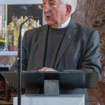 Bischofsvikar Pater Antonio Sagardoy ... (© Herr Mag. Bernhard Wagner).