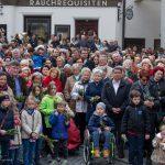 ... zu den der Feier Beiwohnenden (© Herr Mag. Bernhard Wagner).