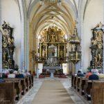 Blick vom Haupteingang der Kirche in Richtung Hochaltar (© Herr Mag. Bernhard Wagner).