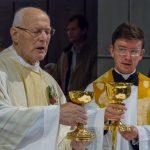 Doxologie am Ende des Eucharistischen Hochgebetes (© Herr Mag. Bernhard Wagner).
