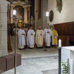 Hauptzelebrant Kaplan Pater Mag. Marian Kollmann OSB (Mitte) mit Diakon Andreas Schönhart und Kaplan Mag. Dr. Christoph Kranicki (von links) ... (© Herr Mag. Bernhard Wagner)