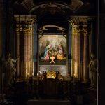 Blick vom Chor zur Hochaltarkrippe mit der Heiligen Familie (© Herr Mag. Bernhard Wagner).