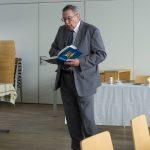 Herr Weitlauer liest Geschichten von Wilhelm Rudnigger (© Herr Mag. Bernhard Wagner).