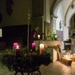 Kaplan Kollmann betet das Tagesgebet ... (© Herr Mag. Bernhard Wagner)