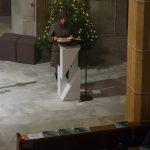 Frau Angela Münzer beim Vortrag der Lesung (© Herr Mag. Bernhard Wagner).