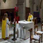 ... läuten die Ministranten mit den Glocken, auch das Vollgeläute der Kirchenglocken ertönt und die Orgel spielt festlicher als sonst (© Herr Mag. Bernhard Wagner).