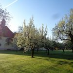 ... im Garten des Hauses St. Benedikt, ... (© Haus St. Benedikt, Pater Mag. Siegfried Stattmann OSB)