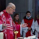 ... und während der Präfation zu Beginn des Eucharistischen Hochgebetes (© Herr Mag. Bernhard Wagner).