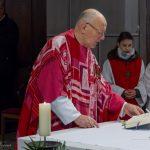 Dechant Mag. Engelbert Hofer betet das Tagesgebet (© Herr Mag. Bernhard Wagner).