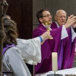Doxologie am Ende des Eucharistischen Hochgebetes ... (© Herr Mag. Bernhard Wagner)