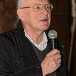 Dechant Mag. Engelbert Hofer bei der Begrüßung der Anwesenden (© Herr Gerhard Pulsinger).