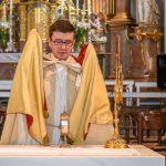 Der Leib Christi wird zurück in den Tabernakel getragen (© Herr Gerhard Pulsinger).