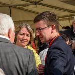 Kaplan Mag. Dr. Christoph Kranicki im Gespräch mit Frau Dr. Iris Strasser und Bischofsvikar Pater Antonio Sagardoy OCD ... (© Herr Gerhard Pulsinger)