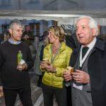 Frau Strasser zusammen mit Pater Sagardoy und Pfarrer Mag. Eugen Länger (© Herr Gerhard Pulsinger).