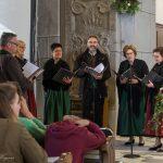 """Singkreis """"MIRA"""" während eines Gesangs (© Herr Mag. Bernhard Wagner)."""