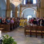 Einzug in die Kirche ... (© Herr Mag. Bernhard Wagner)