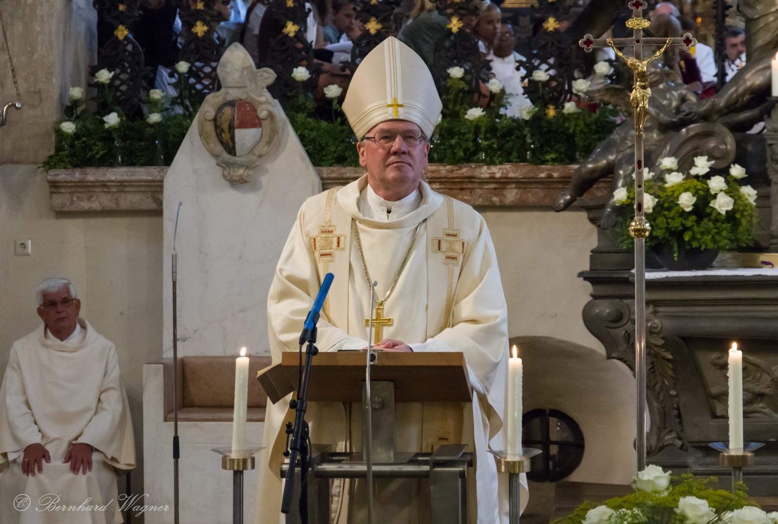 Diözesanbischof Dr. Alois Schwarz während der Predigt (© Herr Mag. Bernhard Wagner).