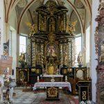 Blick zu Hochaltar und Volksaltar der Pfarrkirche Maria Rojach (© Herr Mag. Bernhard Wagner).