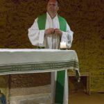 Predigt beim Gottesdienst der Reisegruppe in der Krypta der Versöhnungskirche (© Herr Mag. Bernhard Wagner).