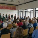 Zahlreiche Frauen aber auch ein paar Männer haben sich zu einem besinnlichen Treffen in der Fastenzeit im Markussaal versammelt (© Herr Mag. Bernhard Wagner).