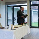 Gruppenleiter Herr Kurt Weitlauer trägt die Lesung vor ... (© Herr Mag. Bernhard Wagner)