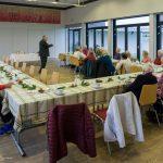 Herr Weitlauer unterhält die Anwesenden (© Herr Mag. Bernhard Wagner).