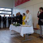 Eine Abordnung des Männergesangsvereins (MGV) Wolfsberg gestaltet den von Pfarrer Mag. Engelbert Hofer zelebrierten Gottesdienst, hier beim Eröffnungsgesang (© Herr Mag. Bernhard Wagner).