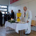 Pfarrer Hofer betet das Schlussgebet (© Herr Mag. Bernhard Wagner).