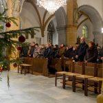 Blick in den Kirchenraum zu den zahlreichen versammelten Gläubigen (© Herr Mag. Bernhard Wagner).