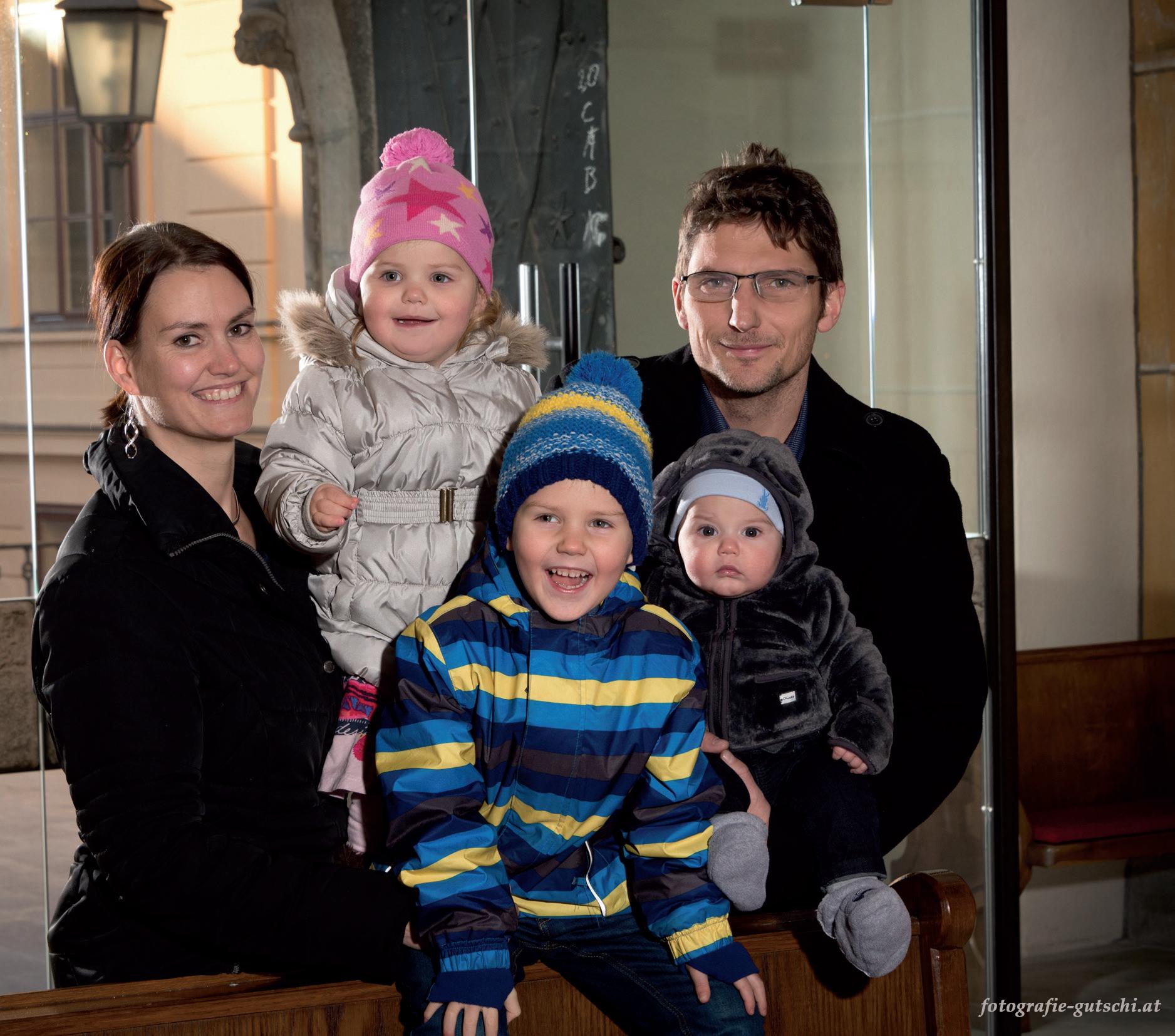 Kostbarkeiten in unseren Gotteshäusern. Eltern mit ihren Kindern