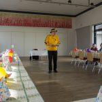 Seniorengruppenleiter Herr Kurt Weitlauer begrüßt die Anwesenden ... (© Herr Mag. Bernhard Wagner)
