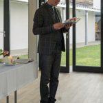 Sodann trägt er das Evangelium vom 1. Fastensonntag vor ... (© Herr Mag. Bernhard Wagner)
