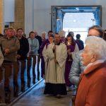 Einzug in die Kirche mit dem emeritierten Erzbischof der Erzdiözese Salzburg, Dr. Alois Kothgasser (© Herr Mag. Bernhard Wagner).