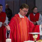 ... und wenig später eröffnet er das Eucharistische Hochgebet mit der Präfation (© Herr Mag. Bernhard Wagner).