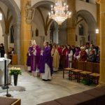 Am Ende des Gottesdienstes, ausklingend mit einem Gesang des Singkreises MIRA (© Herr Mag. Bernhard Wagner).